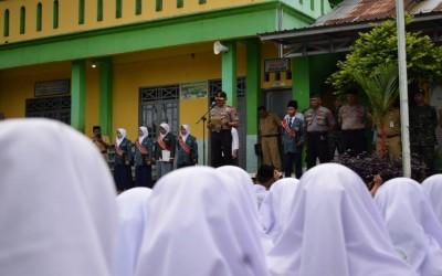 Pesan Kapolres Pemalang Pada Siswa Siswi MA Salafiyah Karangtengah Warungpring